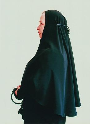 Монахиня в апостольнике