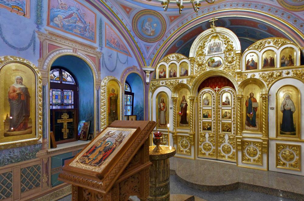 Один из приделов православного храма