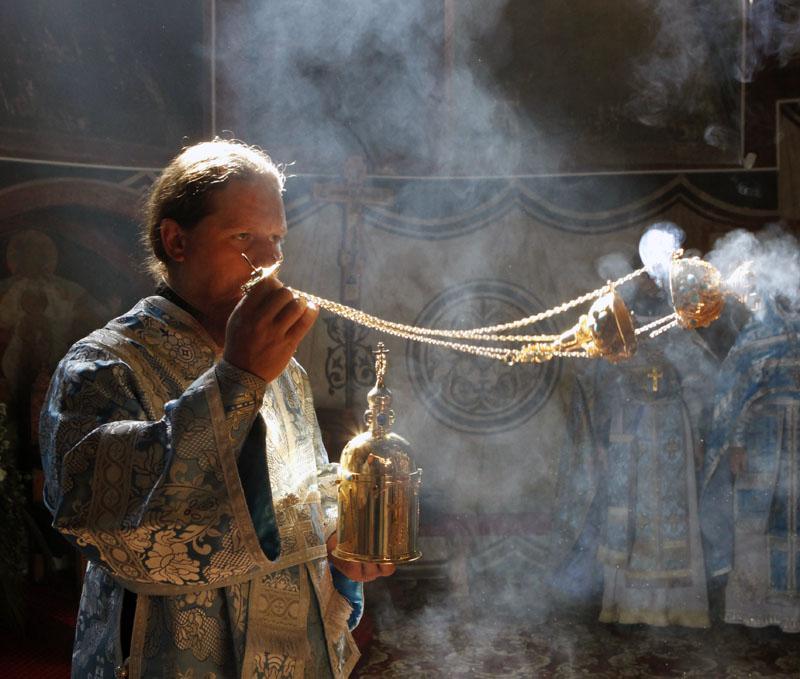 Ароматный дым ладана